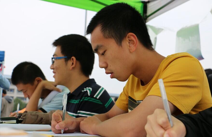 重庆大学科普志愿者协会纳新活动圆满结束